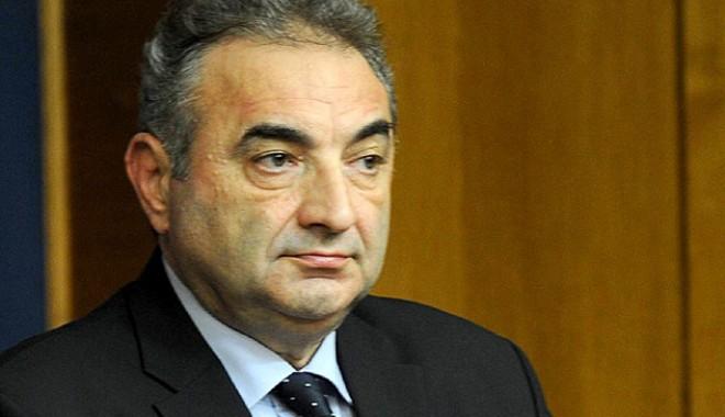 Foto: Ministrul finanţelor Florin Georgescu îi strică ploile primarului Radu Mazăre