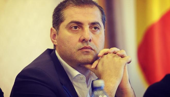 """Foto: Florin Jianu, ministrul pentru Mediul de Afaceri a demisionat: """"România nu merită ce i se întâmplă acum, românii nu merită ce li se întâmplă acum!"""""""