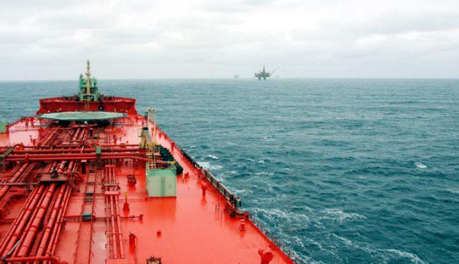 Foto: Flota comercială a României, acum 20 de ani.  Schimbare la cârma Navrom
