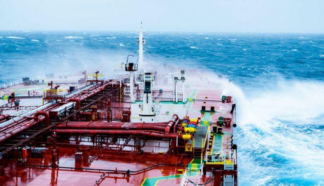 Foto: Flota comercială a României, acum 20 de ani.  Mare supărare pe navele companiei Romline