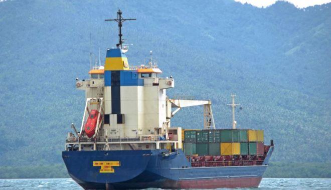 Foto: Flota comercială a României, acum 20 de ani.