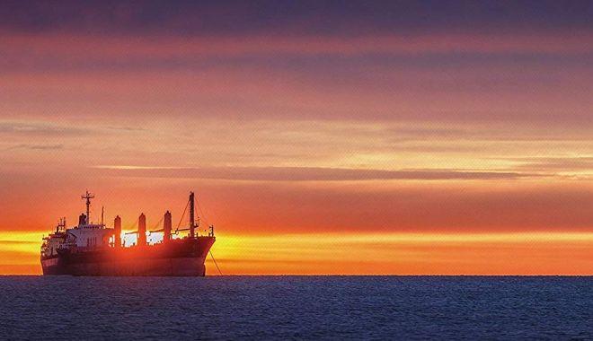 Foto: Flota comercială a României, acum 20 de ani. Pregătiri pentru grevă, pe navele companiei Navrom
