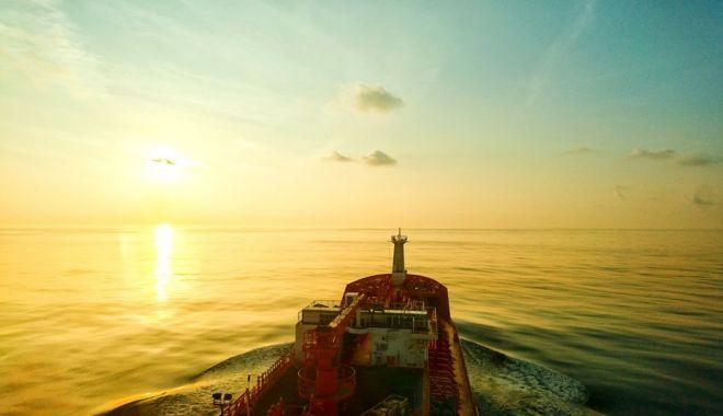 """Foto: """"Naufragiul"""" Puterii politice lungește agonia flotei naționale"""