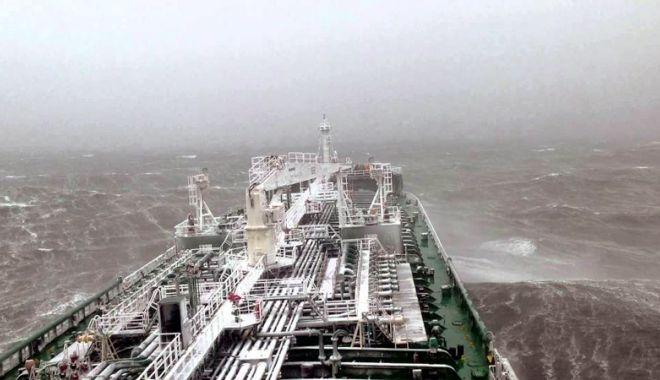 Foto: Flota comercială a României, acum 20 de ani. Echipaje aduse în pragul disperării