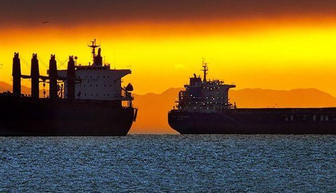 Foto: Flota comercială a României, acum 20 de ani. Compania Navrom a ajuns în pragul colapsului