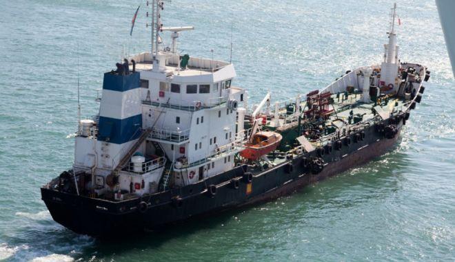 Flota comercială a României, acum  20 de ani.  Privatizarea lasă navigatorii