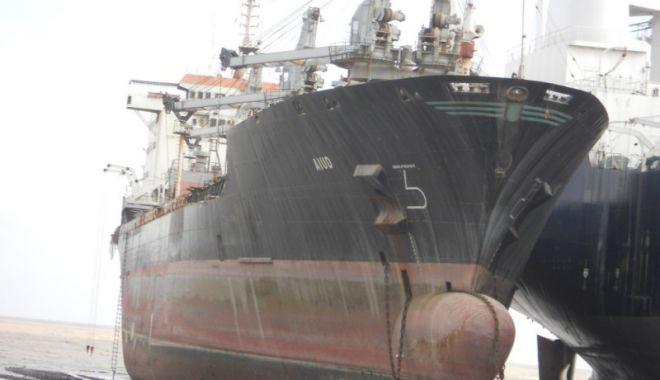 Foto: Flota comercială a României, acum 20 de ani (III)