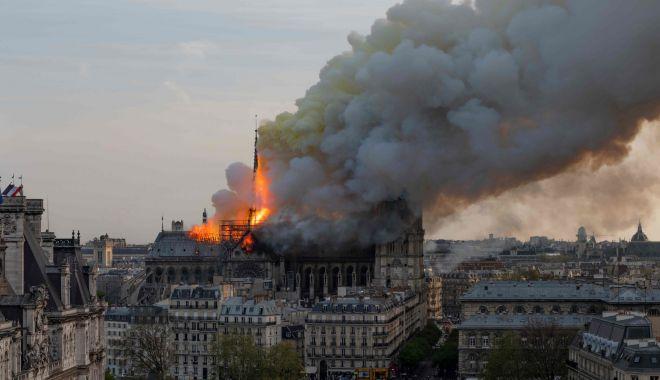Foto: Notre Dame ar putea fi refăcută cu o imprimantă 3D