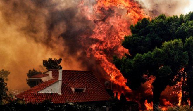 Foto: TURIŞTI, ATENŢIE! GRECIA ESTE CUPRINSĂ DE FLĂCĂRI! Harta zonelor afectate