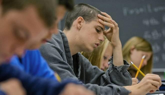 Foto: Treceţi la învăţat! Se reintroduce examenul de treaptă în liceu