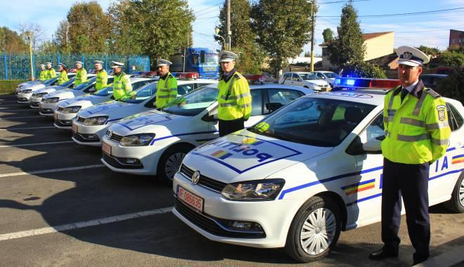 Foto: Statutul Poli�istului, declarat neconstitu�ional. Poli�i�tii, speria�i c� nu vor mai putea fi avansa�i �n grad