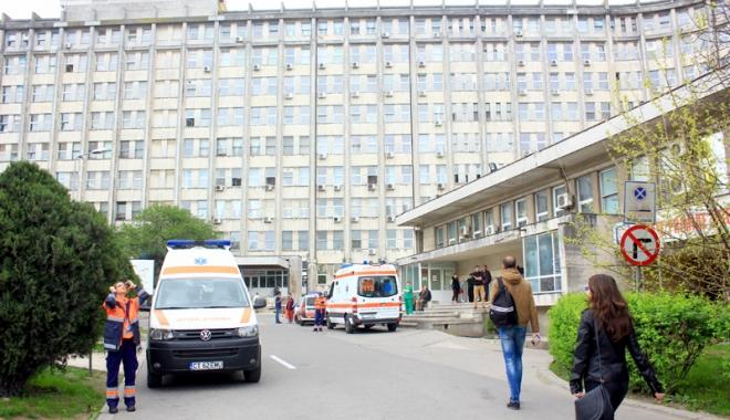 Foto: Scandalul dezinfectanţilor! Spitalul Judeţean şi Sanatoriul Techirghiol, călcate de poliţişti