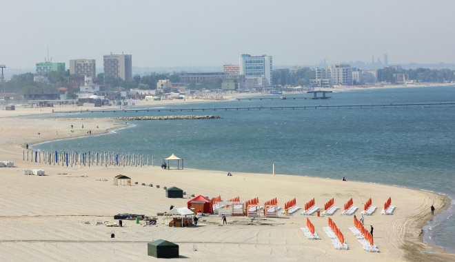 Foto: Milit�ria jos din pod! Cum arat� litoralul, �naintea primului week-end