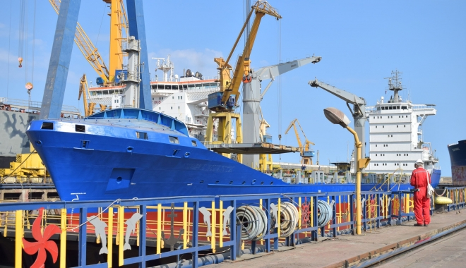 Foto: Şantierul Naval Constanţa are porţile larg deschise pentru tineri!