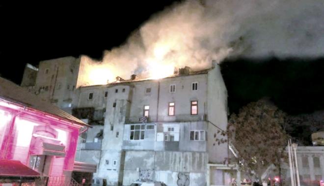 """Foto: Detalii incredibile în cazul incendiului din centrul Constanţei. """"Vă dau foc!"""""""