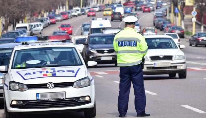 Se scumpesc poliţele RCA. Ce îi aşteaptă pe șoferii care provoacă accidente! - fond-1606852269.jpg