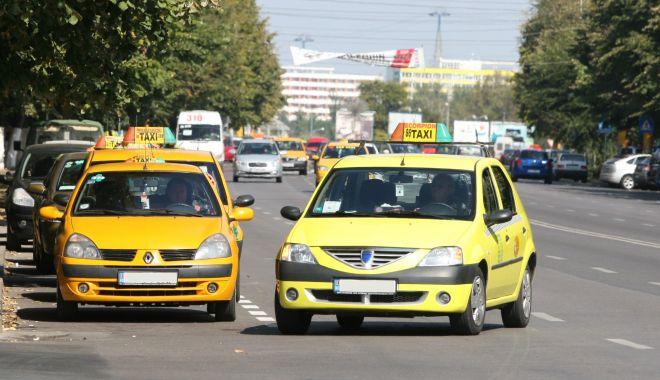Taximetriștii din Constanța, costumaţi și parfumați! Dispar pantalonii scurți și șlapii - fond-1613922553.jpg
