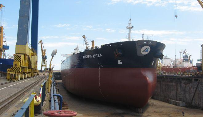 Constructorii de nave sunt disperați. Concurența neloială a Chinei și Coreei de Sud îi pune în pericol - fond-1614712760.jpg