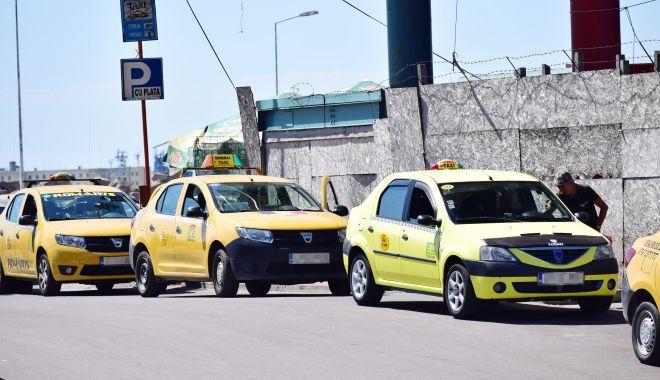 """Taximetriştii, riposte cu administraţia locală! """"Favorizați Uber-ul!"""" - fond-1618507121.jpg"""