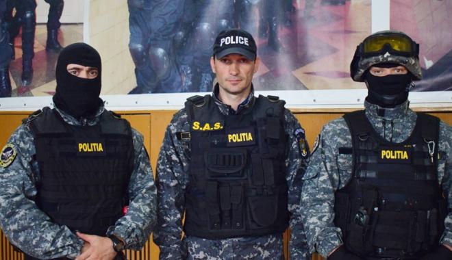 """Foto: Cine conduce misiunile speciale ale mascaţilor din Constanţa. """"Este o meserie solicitantă"""""""