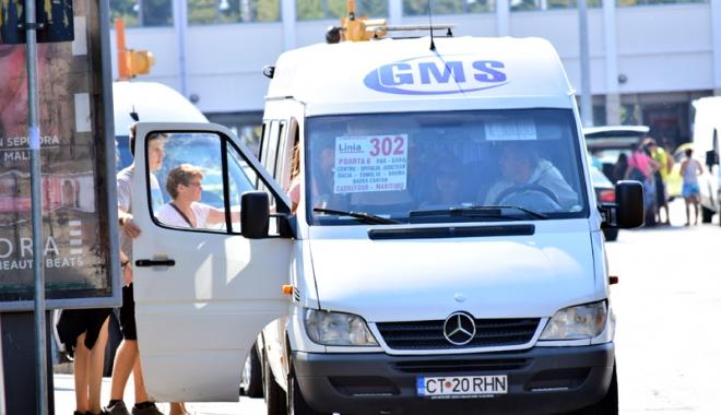 Misterul călătorilor abandonaţi de GMS. Firma de maxi-taxi şi Primăria pasează vina de la una la alta - fond1-1509113174.jpg