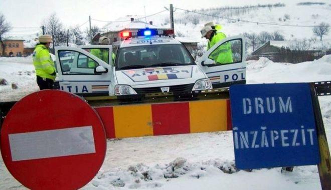 Foto: Lupta cu nămeţii! Drumuri restricţionate şi închise, în judeţul Constanţa