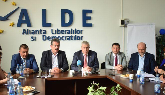 Foto: Planuri pentru Constanţa. Îl convinge Tăriceanu pe Hașotti să intre în ALDE?