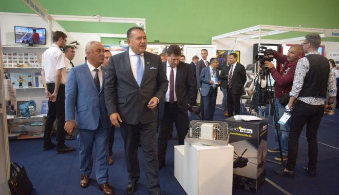 Industria navală românească și-a dat întâlnire la Expoziția Europort, din Mamaia - fond1-1526403537.jpg