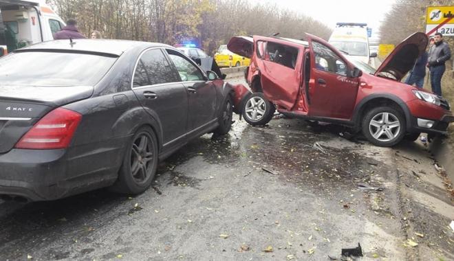 """Foto: APEL LA DONARE DE SÂNGE, DUPĂ TRAGEDIA DIN LAZU: """"E urgent. Nu contează grupa!"""""""