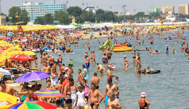 Foto: Ministrul Turismului vrea să atragă turişti arabi pe litoralul românesc