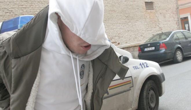 Foto: Tăticul infractorilor din Constanţa, la doar 16 ani