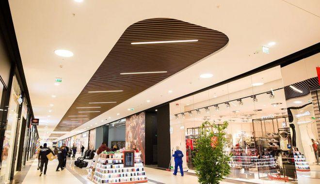 """Mall-urile pun lacătul pe uşă în weekend. """"Închiderea asta ar putea însemna falimentul!"""" - fond2-1605895410.jpg"""