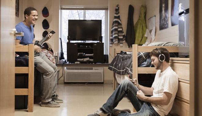 Foto: Chirie sau cămin studenţesc? Preţuri la început de an universitar