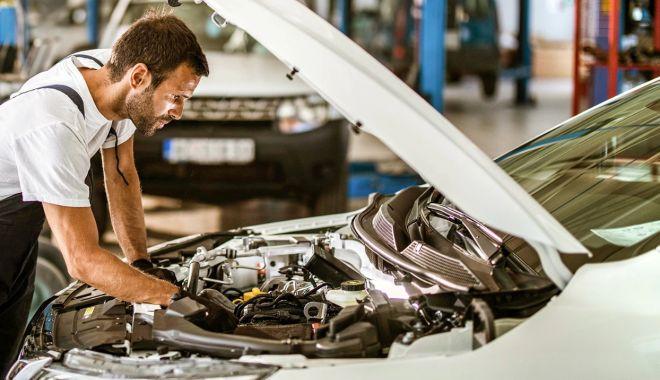 RCA cu decontare directă introduce preţuri de referinţă pentru reparaţiile auto - fond3-1617124777.jpg