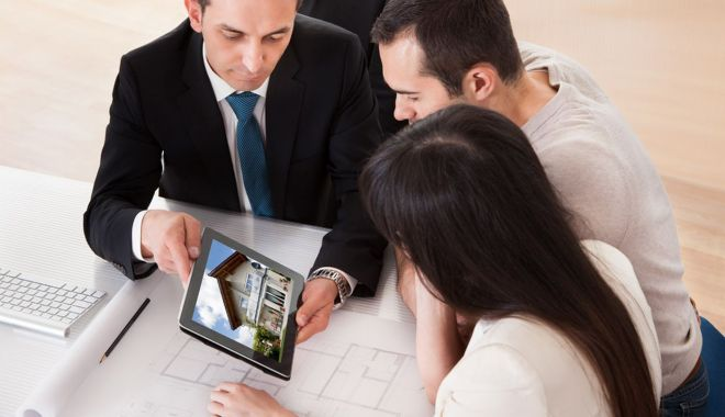 Tinerii pot spera la o nouă casă. Băncile îi aşteaptă cu uşile deschise - fond3-1617212234.jpg
