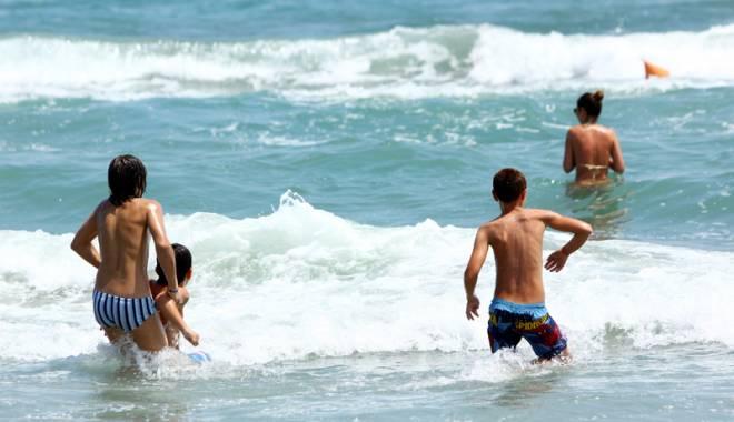 Foto: Sezonul înecaţilor! Care sunt plajele din Constanţa unde moartea pândeşte în apă