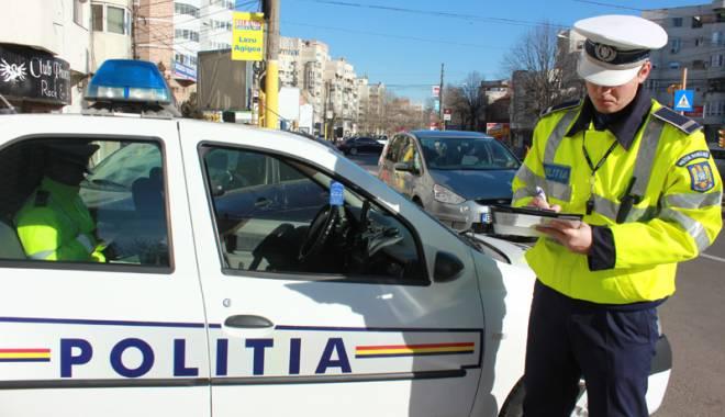 Foto: Ai r�mas pieton dup� ce te-a oprit Poli�ia? Cum ��i po�i recupera permisul mai rapid
