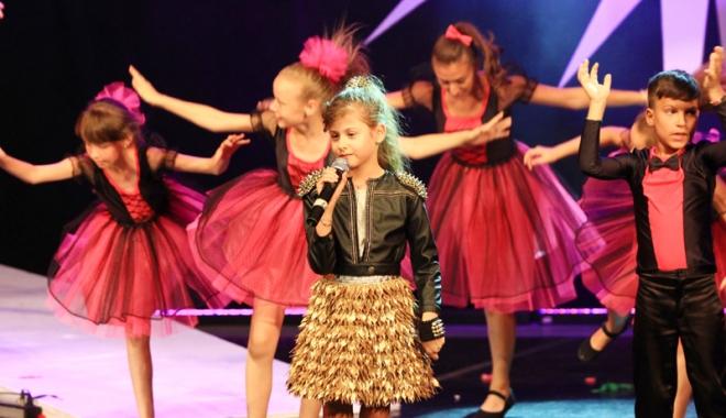 """Foto: Palmaresul Festivalului  """"Mamaia Copiilor"""". Angela Gheorghiu, câştigătoarea Premiului """"Cuget Liber"""""""