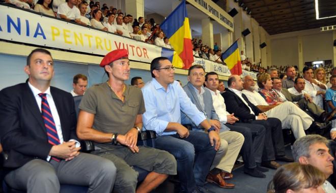 Foto: USL, primul bal pentru preşedinţie, la Constanţa. Antonescu nu vrea să fie candidat,  vrea să fie preşedinte