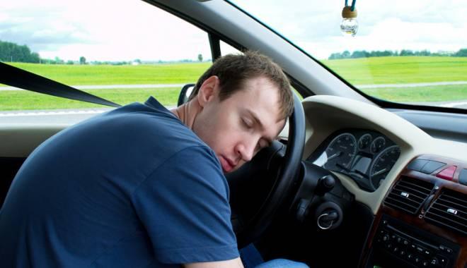Suferi de apnee �n somn, nu mai ai voie s� conduci! 270.000 de �oferi rom�ni au aceast� boal� - fondapneebuna-1445622081.jpg