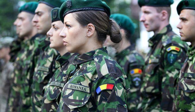 """Foto: Tinerii din Constanţa tind spre o carieră în Armată. """"Este o meserie curată şi respectată"""""""