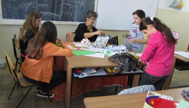 """Foto: Atenţie, elevi, nu vă jucaţi cu absenţele! Se contorizează şi în """"Şcoala Altfel"""""""