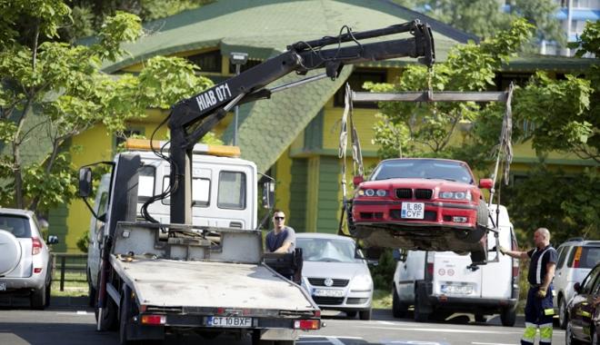 Foto: Veşti proaste pentru şoferii constănţeni: Primăria va ridica maşinile parcate neregulamentar
