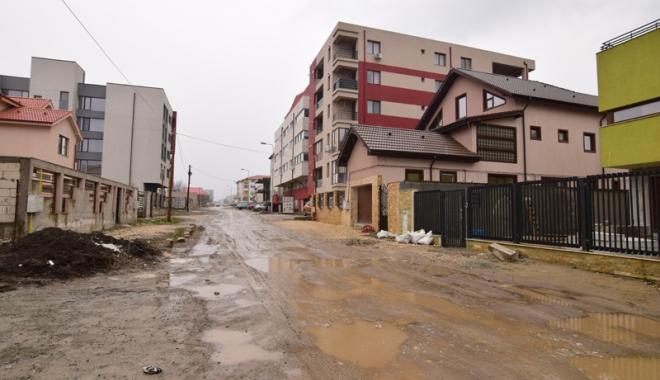 Foto: Cartierul Baba Novac intră în era asfaltului. Primăria Constanța  pune la bătaie 11 milioane de lei