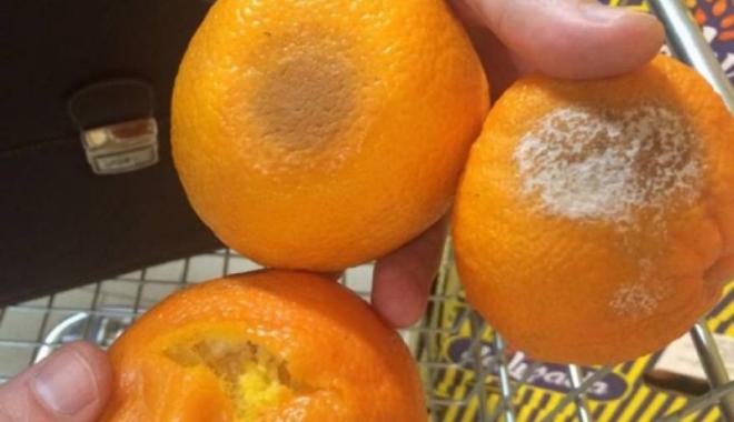 Foto: Bani aruncaţi pe fereastră. Legume şi fructe mucegăite, pe rafturile supermarketurilor
