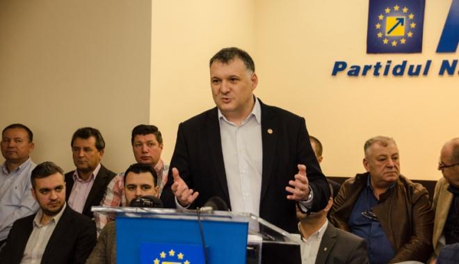 Foto: PNL Constanţa, pregătiri pentru Congres. Pe cine susţine pentru preşedinţia partidului