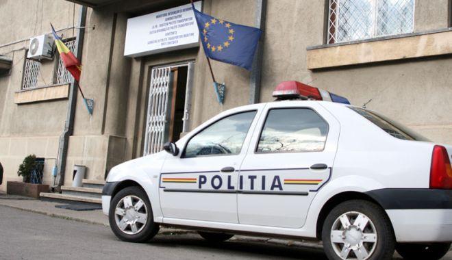 Foto: Arestaţi de Poliţia Constanţa! Au distrus maşina unei femei şi au agresat un bărbat