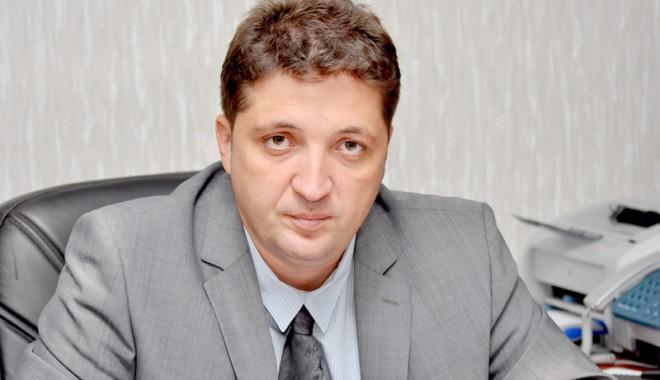 Foto: Un poliţist îi cere daune morale fostului şef al Poliţiei Constanţa, Valentin Burlacu