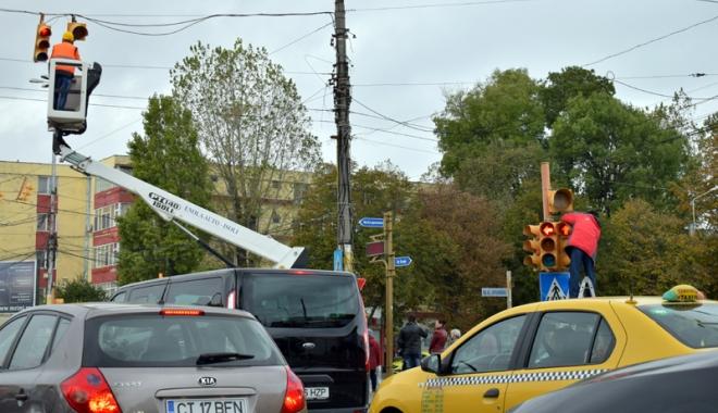 """Foto: Camere video şi semafoare noi în intersecţii. """"Până la finele anului, va fi o soluţie unitară"""""""