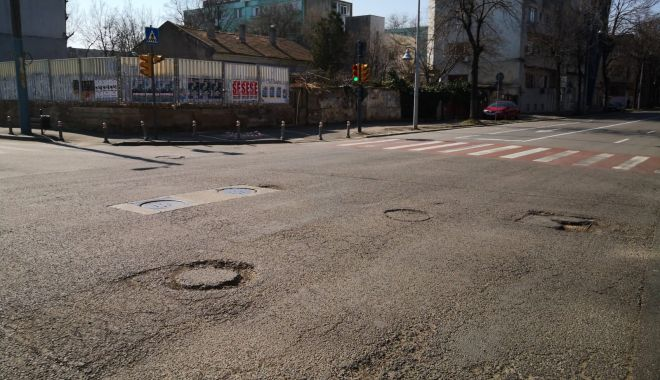Cursă cu obstacole. Capacele de canalizare, pericolul de pe străzile Constanței - fondcapacecanalizare2-1615737272.jpg